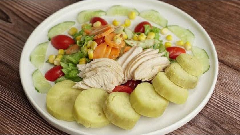 hướng dẫn luộc khoai lang - Thực đơn EAT CLEAN - KHOAI LANG LUỘC - SALAD ỨC GÀ dành cho người giảm cân.
