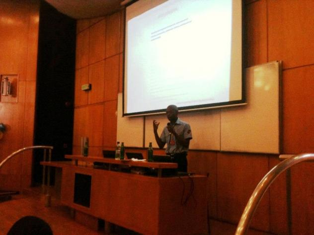 Vuyisile giving talk about Mozilla at SFD