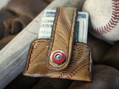 Vvapor: Baseball glove minimalist wallet