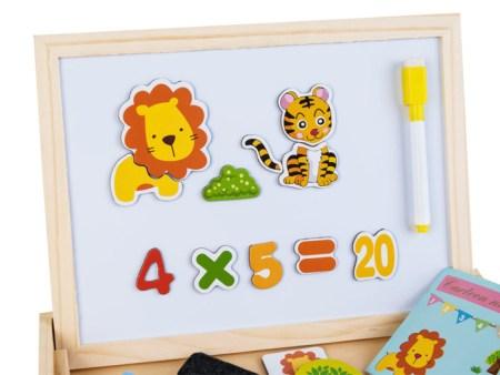 Lesena-škatla-z-magnetno-tablico-za-risanje3