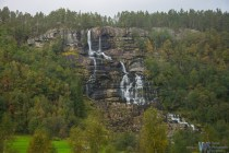 As we were driving along, the lanscape became more and more mountanious with numerous waterfalls...