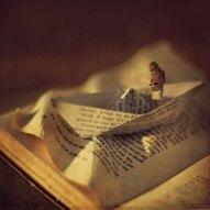 miniature-world-photo-manipulations-by-fiddle-oak-zev-nellie-10
