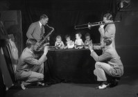 Jazz band playing to babies (6-11 months)