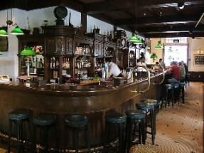 hotel bar, barman