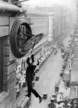Harold Lloyd, cliff-hanger