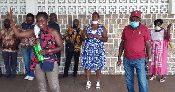 Libreville: le patron de la poste se pointe à 23h avec la police pour embarquer les agents grévistes