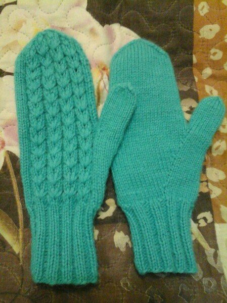 Knit mittens with knitting