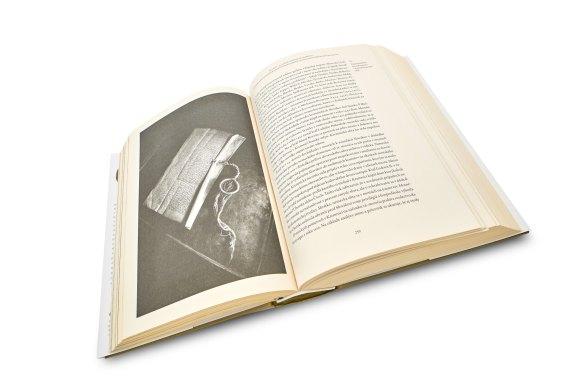 https://vydavatelstvorak.sk/wp-content/uploads/2013/10/rak-fotenie-kniha-kremnica-77.jpg
