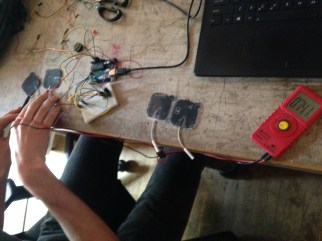 The stimulation pads hooked up to the Arduino 40 Hz signal