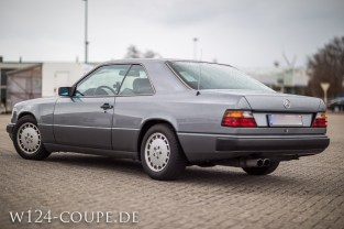 Mercedes-Benz W124 C124 Coupe 300 CE 005