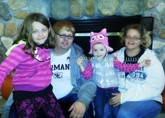 Tammy and her kids.....Cassidy, Cameron, and Carly