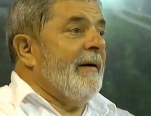 O ex-presidente Luiz Inácio Lula da Silva, diagnosticado com um tumor maligno na laringe de agressividade intermediária, segundo médicos