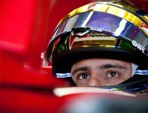 Felipe Massa não empolgou o público presente em Interlagos durante desfile de pilotos antes da prova