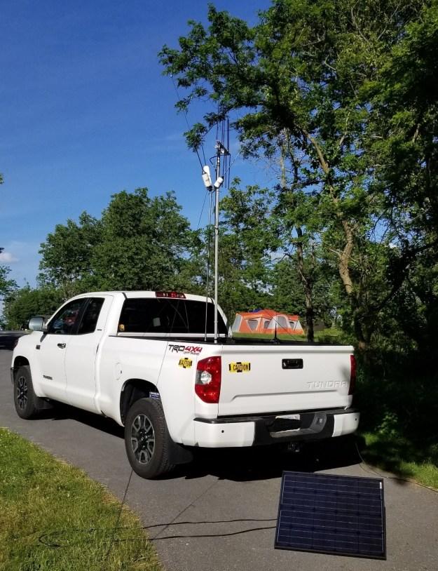 KK4ZUU FD 2020 – Portable Antennas (Hustler 4-band [HF], Elk Ant Log Periodic [FM])
