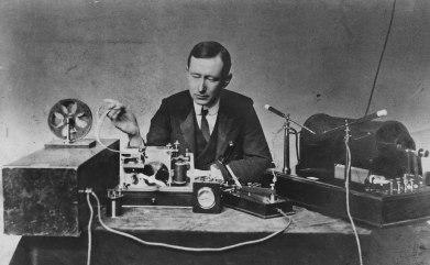 1920px-Guglielmo_Marconi_1901_wireless_signal