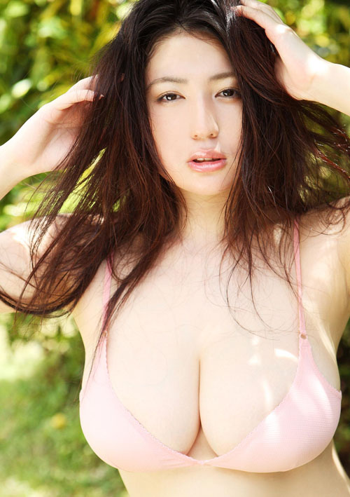 dung-hinh-vi-Nonami-Takizawa-khoe-buoi-sieu-cang-trao-nuoc (3)