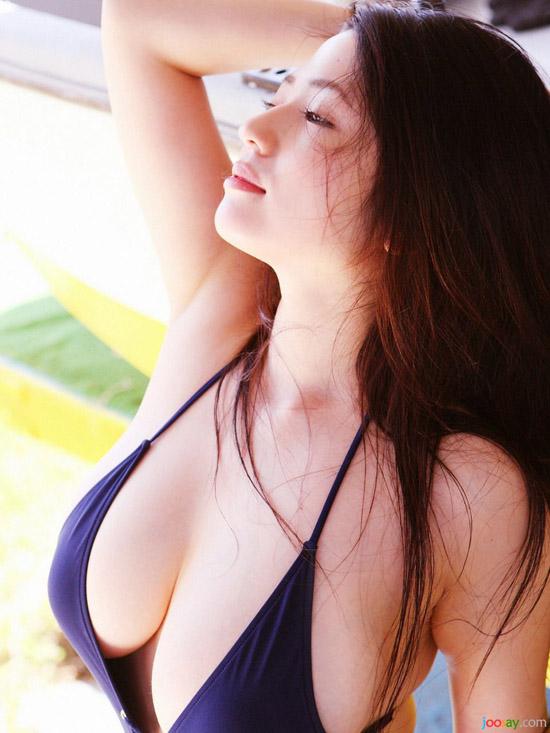 nonami-takizawa-khoe-veu-sieu-bu-trong-bikini-xanh (5)