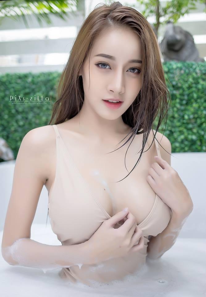 chet-lang-ngam-pichana-yoosuk-sexy-trong-bon-tam (10)