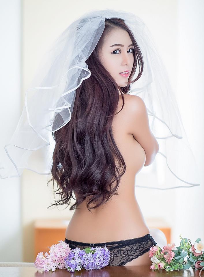 choang-vang-voi-man-khoe-veu-sieu-bạo-cua-manow (9)
