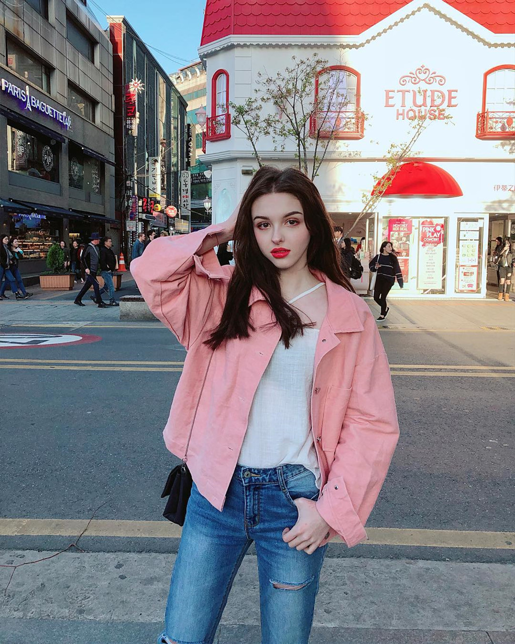 hot-girl-Karimova-Elina-dao-tung-chao-gioi-tre-vi-qua-xinh-dep (10)