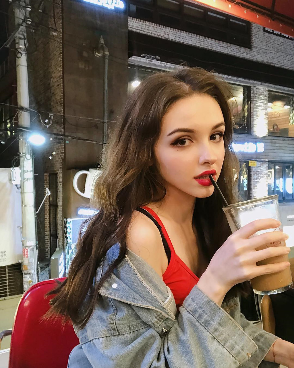 hot-girl-Karimova-Elina-dao-tung-chao-gioi-tre-vi-qua-xinh-dep (3)