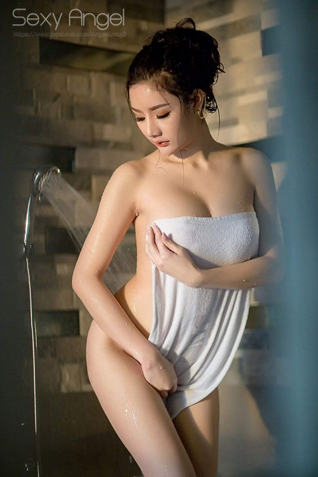 xit-mau-mui-lap-tuc-vi-co-nang-Atittaya-Chaiyasing-khoe-nguc-khung (11)