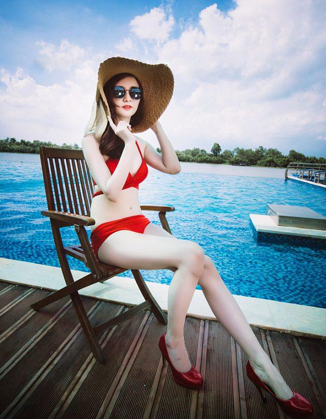 ngo-huyen-trang-dien-bikini-don-guc-moi-anh-nhin (8)