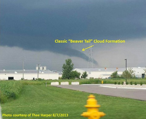 Photo of beaver tail cloud near Gosen