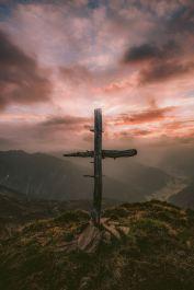 kijk naar het kruis