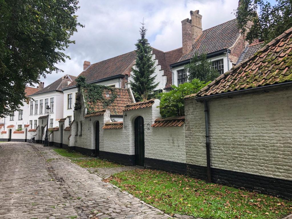 Begijnhof Brugge - Waar is Aimy