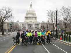 Intrepid 16-milers on E Capitol St (photo: Dana Bres)