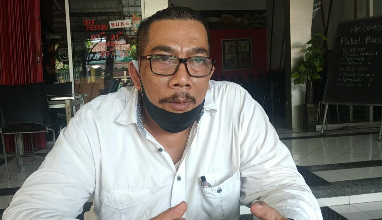Edi Haryanto selaku kuasa Hukum KSU Perdula MPS Ngoro saat di wawancarai. (wacananews.co.id/tyo)