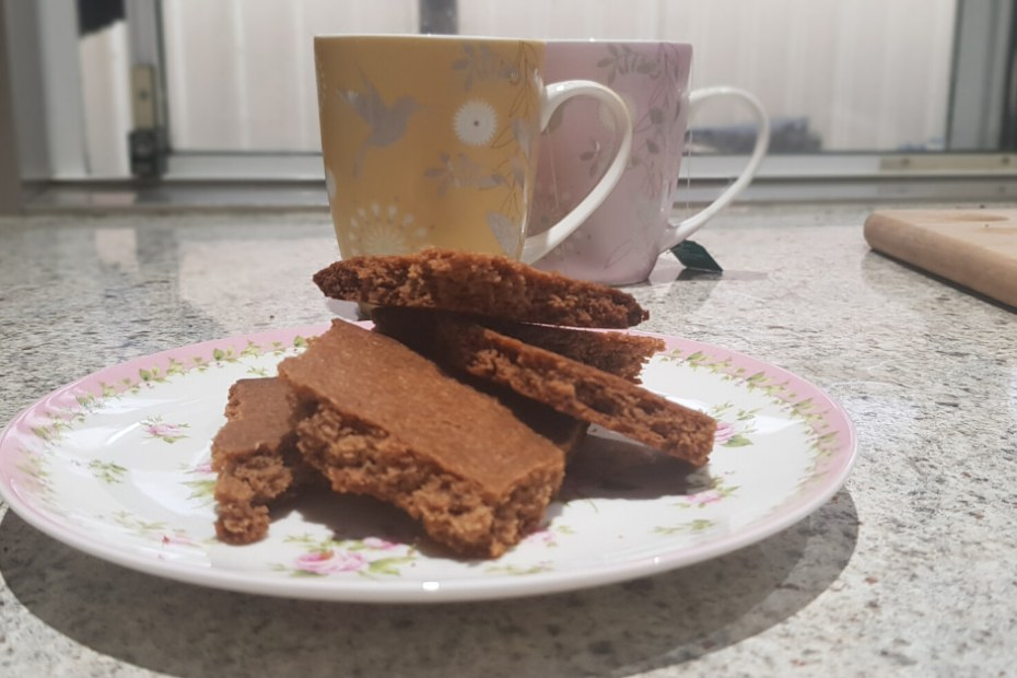 speculaas biscuits on plate