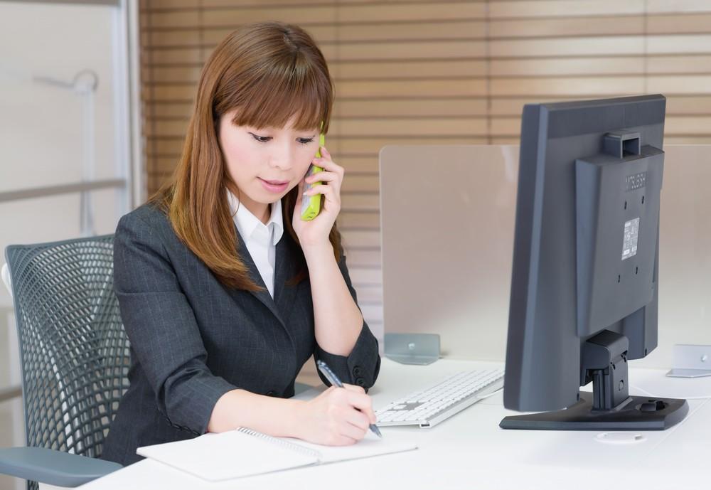 仕事での電話が怖い人必見!仕事の電話を克服する方法とは??