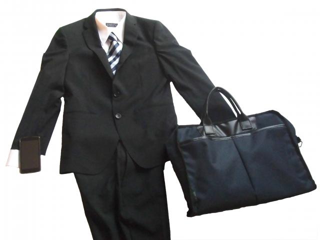 リクルートスーツに男性がかける相場は?就活のスーツ事情!
