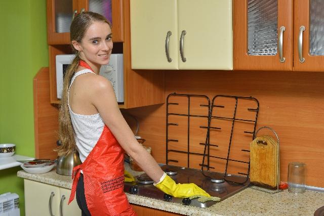 キッチンの掃除方法!いつもピカピカ場所別お掃除のコツ!