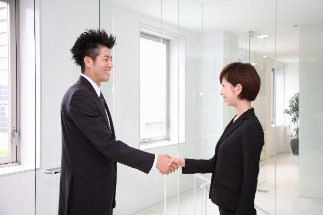 元彼と会う気まずい仕事どうするべき?社内恋愛のその後とは…