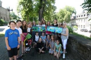 Das Team vom Mariengymnasium, das den Farradständer gestaltete