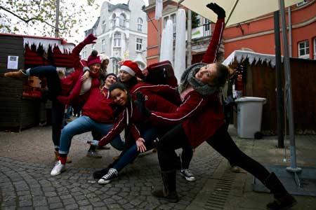 Flashmob auf dem Weihnachtsmarkt.