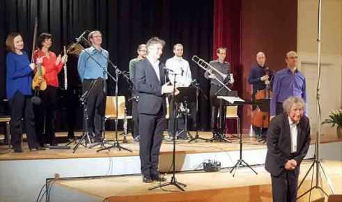 Konzert-für-Juan-Allende-Blin-schlussbeifall