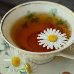 5 motive sa bei ceai de musetel