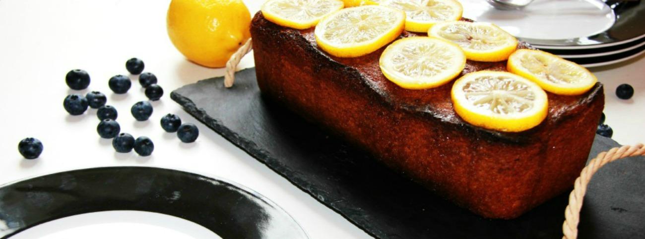 Cake citron-myrtilles et son sirop de citron