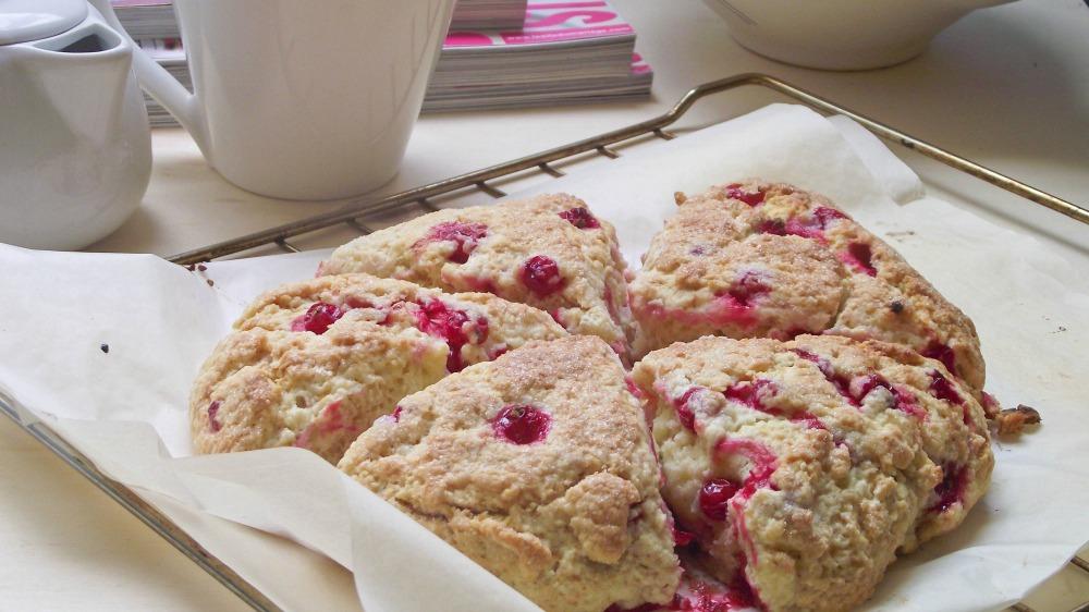 Scones aux groseilles & l'importance du petit-déjeuner
