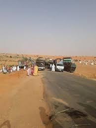 حادث سير قرب الغشوات يشل حركة المرور على طريق الأمل