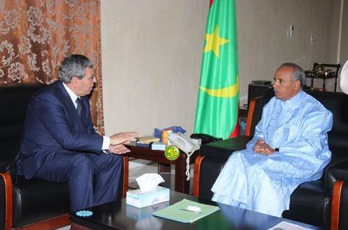 سفير الجزائر يلتقي عمدة الزويرات ورئيس البرلمان