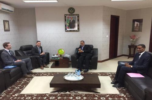 مباحثات بين الخارجية الموريتانية والسفير الأمريكي