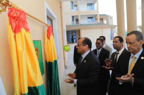 الرئيس يلتحق بالقمة الإفريقية عبر اجتماعات مغلقة