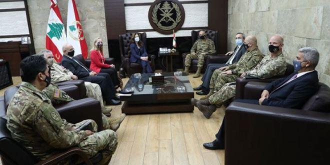 قائد الجيش ترأس إجتماع لجنة الإشراف على برنامج المساعدات الأميركية والبريطانية والكندية لحماية الحدود البرية