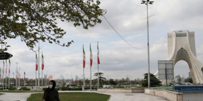 إيران تحتجز سائحا فرنسيا منذ 9 أشهر