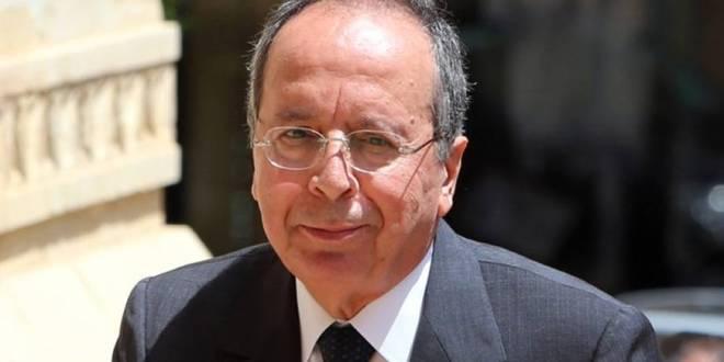 """السيد: وزير الإقتصاد حاطط راسو برغيف الخبز … """"الناس فرق لقمة"""""""